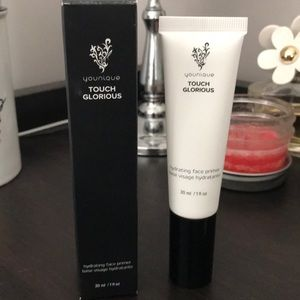 Younique touch glorious hydrating face primer